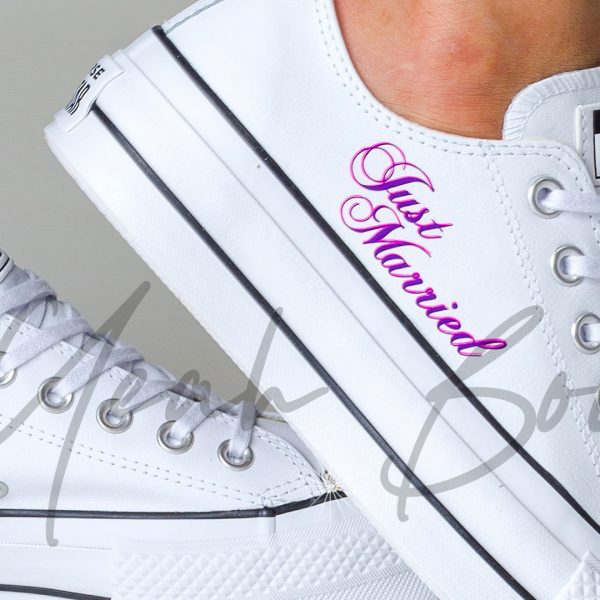 just-married-converse